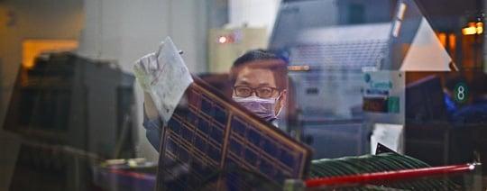 Hantering av mönsterkort i fabrik   NCAB Group