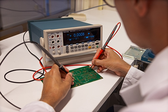 NCAB lab Sweden - measuring the conductivity of a circuit board